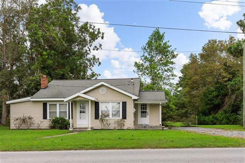 Photo of 279 Sneads Ferry Road, Sneads Ferry, NC 28460 (MLS # 100238078)