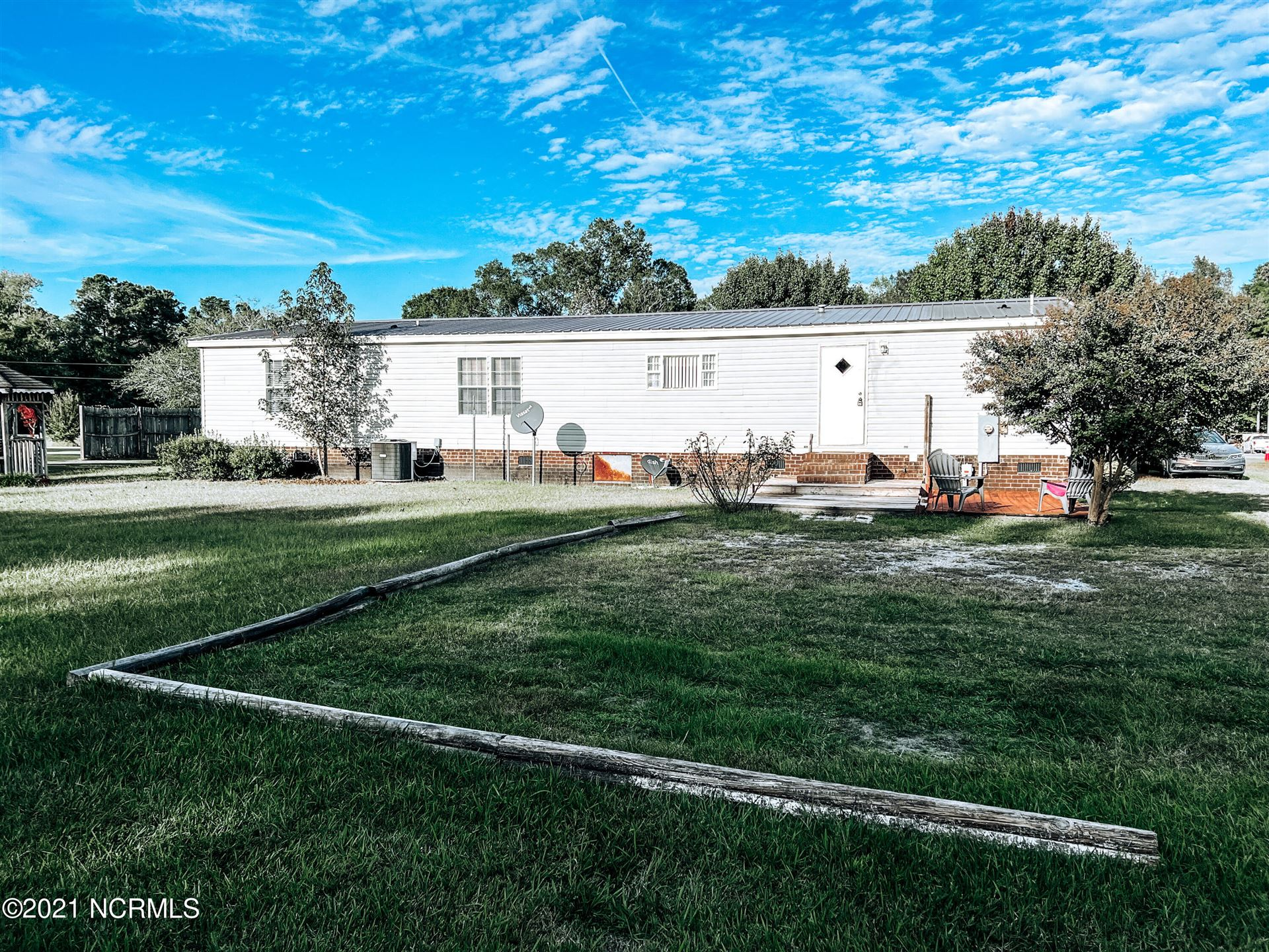 Photo of 508 Chicken Neck Road, Teachey, NC 28464 (MLS # 100296086)