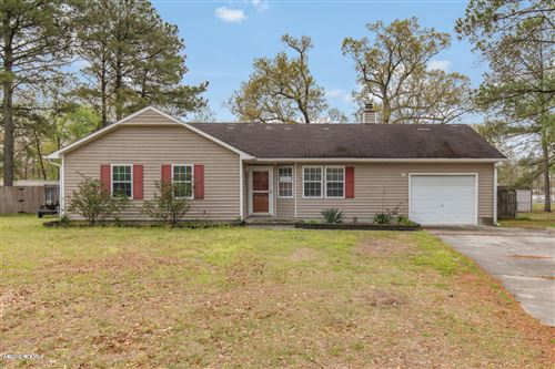 Photo of 115 Carriage Hills Court, Richlands, NC 28574 (MLS # 100211095)