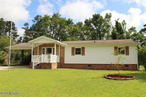 Photo of 17 Berkshire Drive, Jacksonville, NC 28546 (MLS # 100257096)