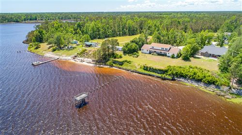 Photo of 309 S Holland Point Drive, Stella, NC 28582 (MLS # 100165098)