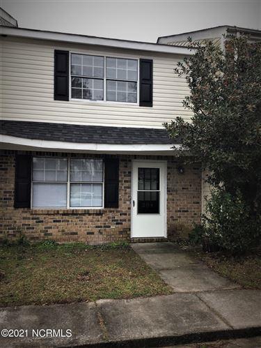 Photo of 204 Myrtlewood Circle, Jacksonville, NC 28546 (MLS # 100258108)
