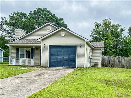 Photo of 124 Horse Shoe Bend, Jacksonville, NC 28546 (MLS # 100223109)
