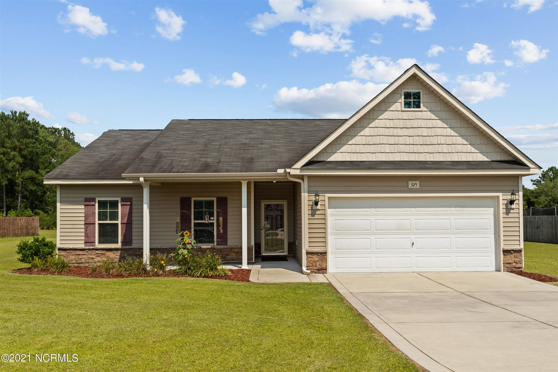 Photo of 325 Breighmere Drive, New Bern, NC 28560 (MLS # 100280110)