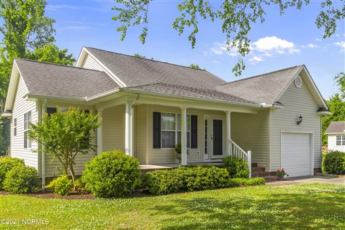 Photo of 104 Belles Way, New Bern, NC 28562 (MLS # 100270117)