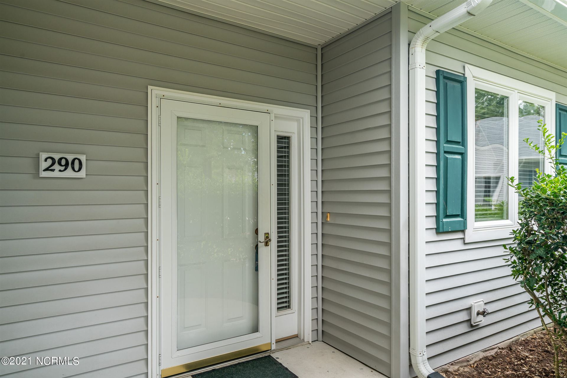 Photo of 290 Bonnet Way SE, Southport, NC 28461 (MLS # 100291117)
