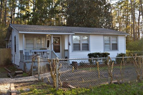 Photo of 301 W Red Cross Street, Atkinson, NC 28421 (MLS # 100250123)