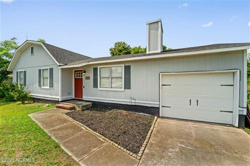 Photo of 1006 Ridgecrest Lane, Jacksonville, NC 28546 (MLS # 100274134)