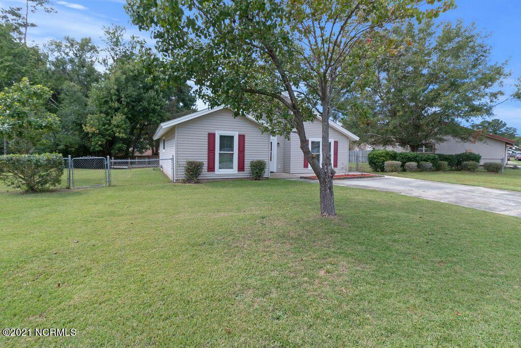Photo of 302 S Willow Lane, Jacksonville, NC 28546 (MLS # 100294137)
