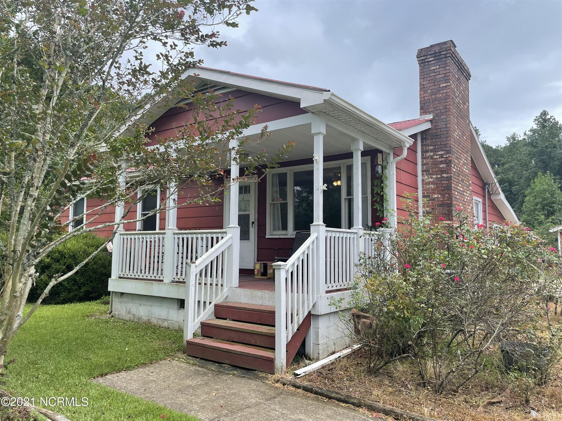 Photo of 916 Fire Tower Road, Jacksonville, NC 28540 (MLS # 100289138)