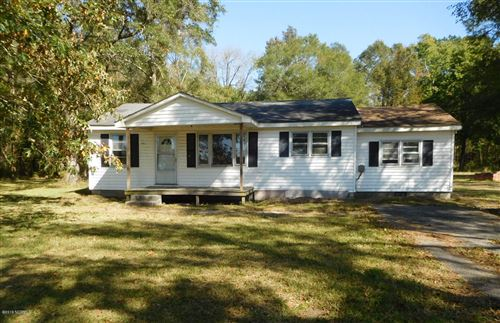 Photo of 2600 Kinston Highway, Richlands, NC 28574 (MLS # 100194139)
