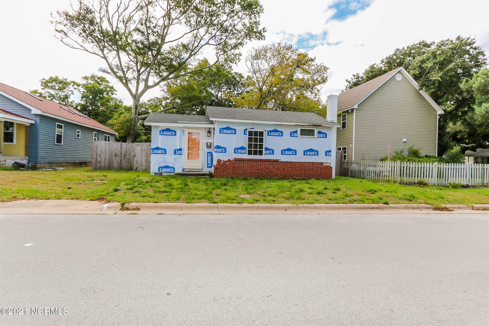 Photo of 307 N 23rd Street, Morehead City, NC 28557 (MLS # 100292140)