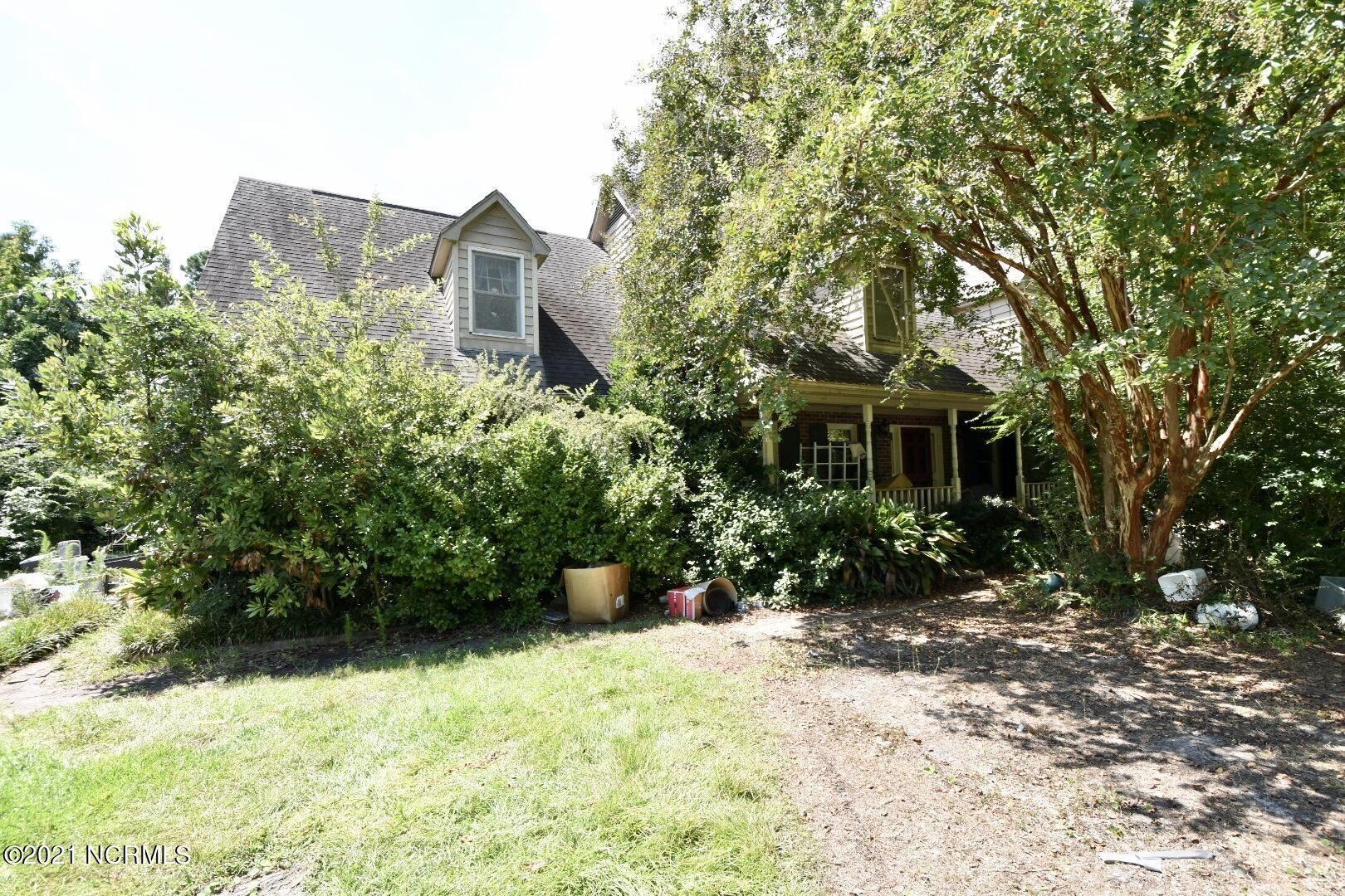 Photo of 444 Creekview Drive E, Hampstead, NC 28443 (MLS # 100290141)