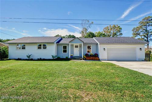 Photo of 657 W Shore Drive, Swansboro, NC 28584 (MLS # 100294143)