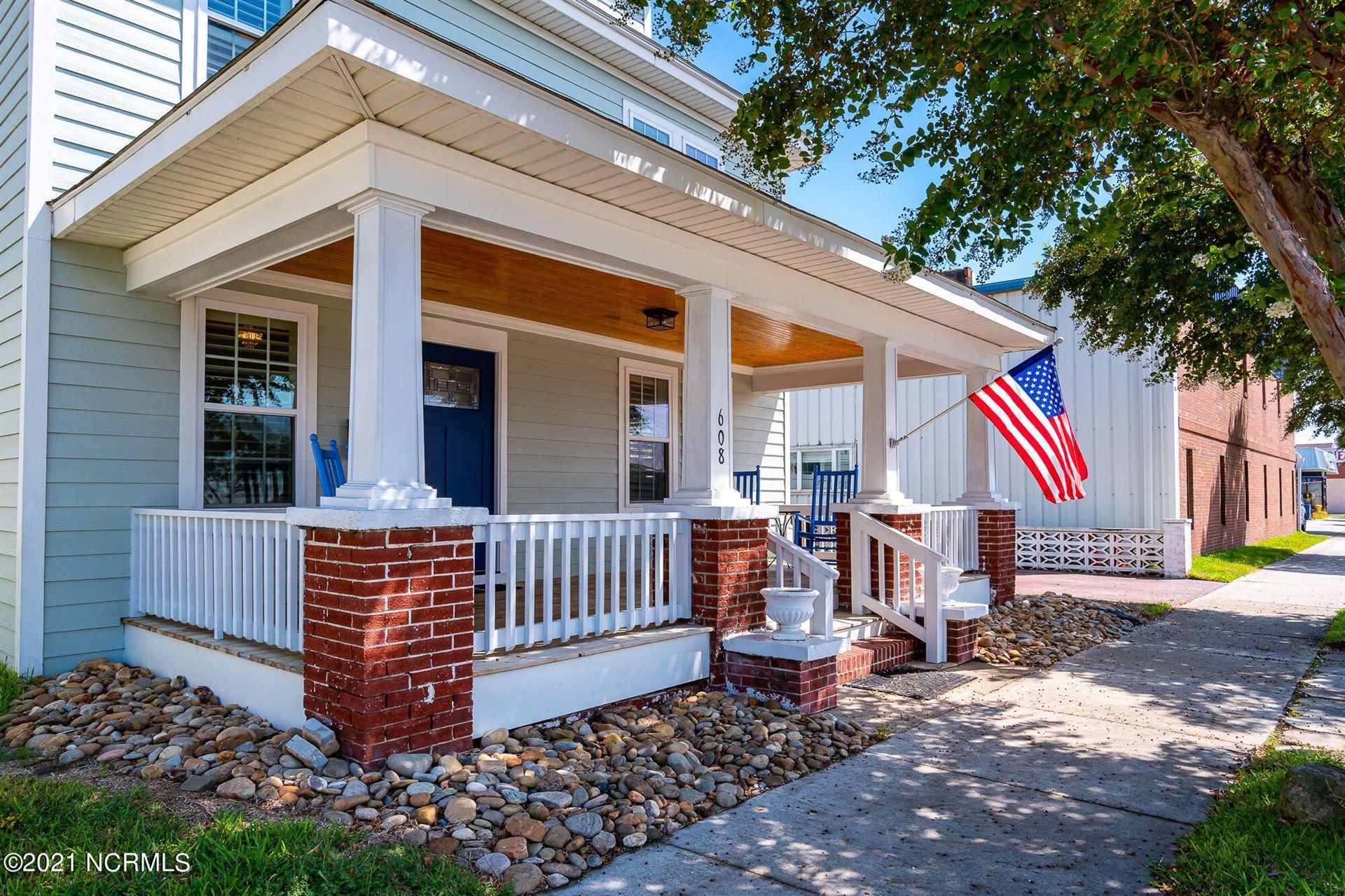 Photo of 608 Arendell Street, Morehead City, NC 28557 (MLS # 100287151)