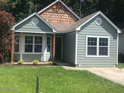Photo of 110 Mulberry Lane, Jacksonville, NC 28546 (MLS # 100226156)