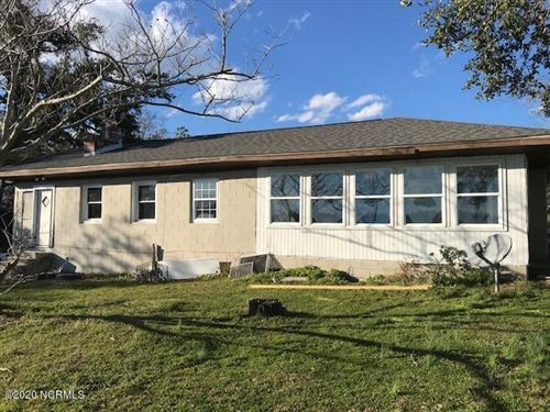 Photo of 144 Mullens Road, Hubert, NC 28539 (MLS # 100219157)
