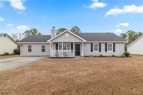 Photo of 138 Parnell Road, Hubert, NC 28539 (MLS # 100199163)