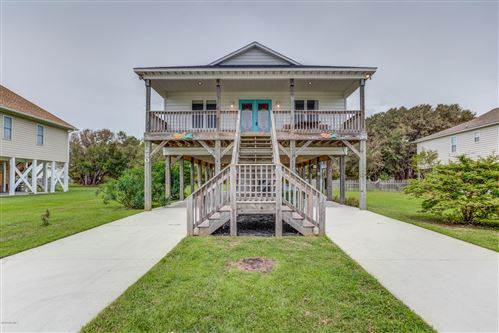 Photo of 280 Grandview Drive, Sneads Ferry, NC 28460 (MLS # 100233163)