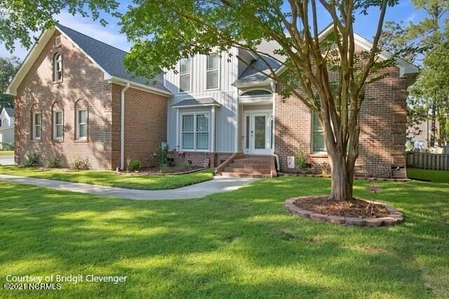 Photo of 498 N Shore Drive, Sneads Ferry, NC 28460 (MLS # 100292164)