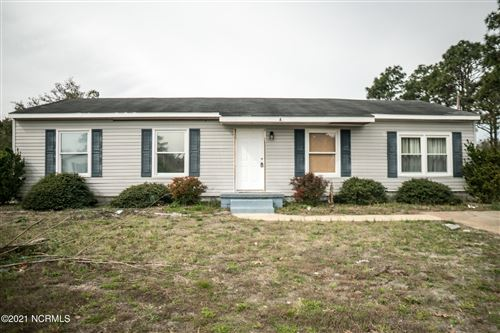 Photo of 115 Freshwater Drive, Hubert, NC 28539 (MLS # 100259168)