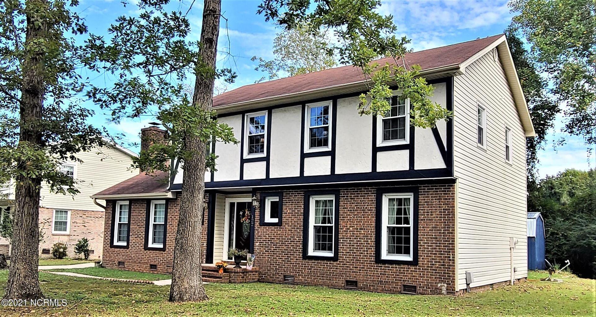 Photo of 122 King Richard Court, Jacksonville, NC 28546 (MLS # 100296169)