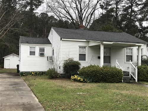 Photo of 4129 E Pine Street, Farmville, NC 27828 (MLS # 100206171)