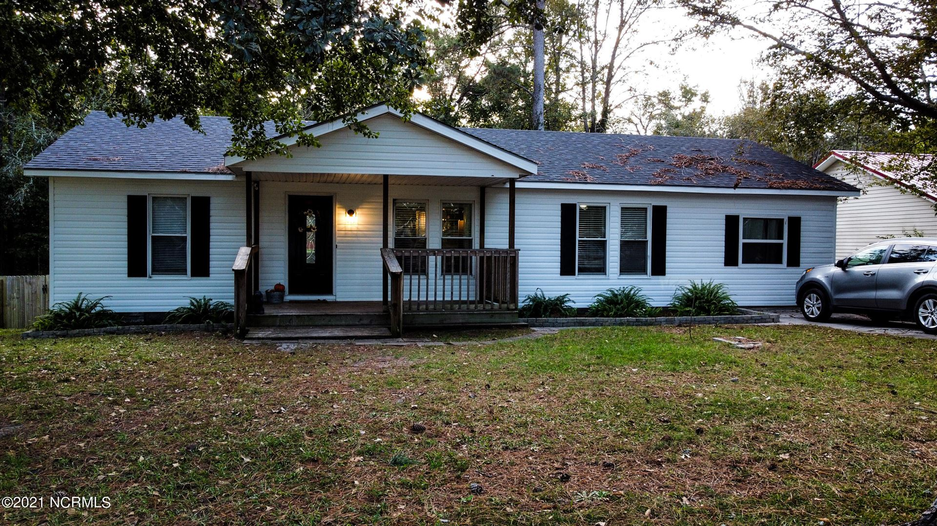 Photo of 846 Mill River Road, Jacksonville, NC 28540 (MLS # 100296171)