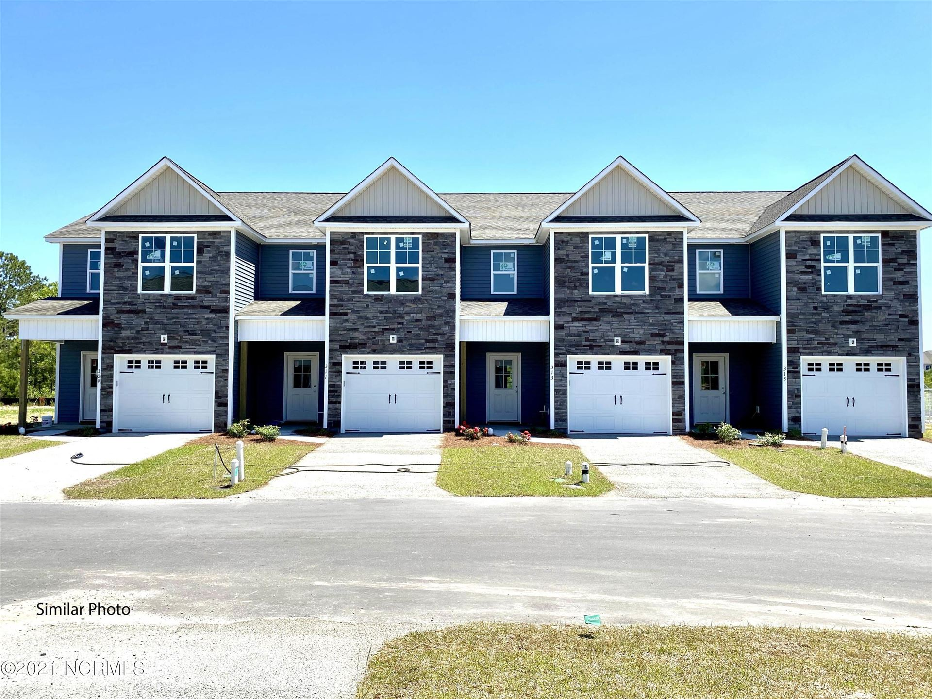 Photo for 362 S Stingray Lane, Sneads Ferry, NC 28460 (MLS # 100275173)