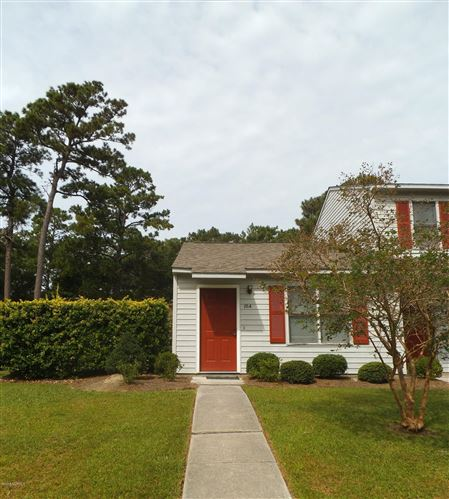 Photo of 10 A Port West Court, Swansboro, NC 28584 (MLS # 100212177)