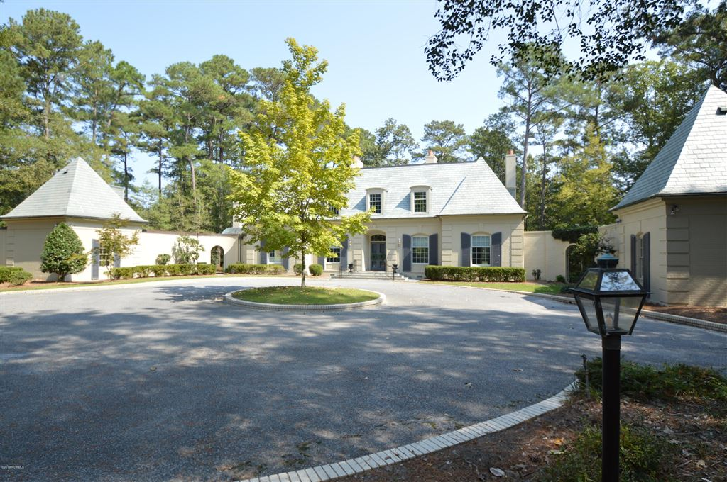 Photo for 160 Holly Hills Road, Greenville, NC 27858 (MLS # 100136179)