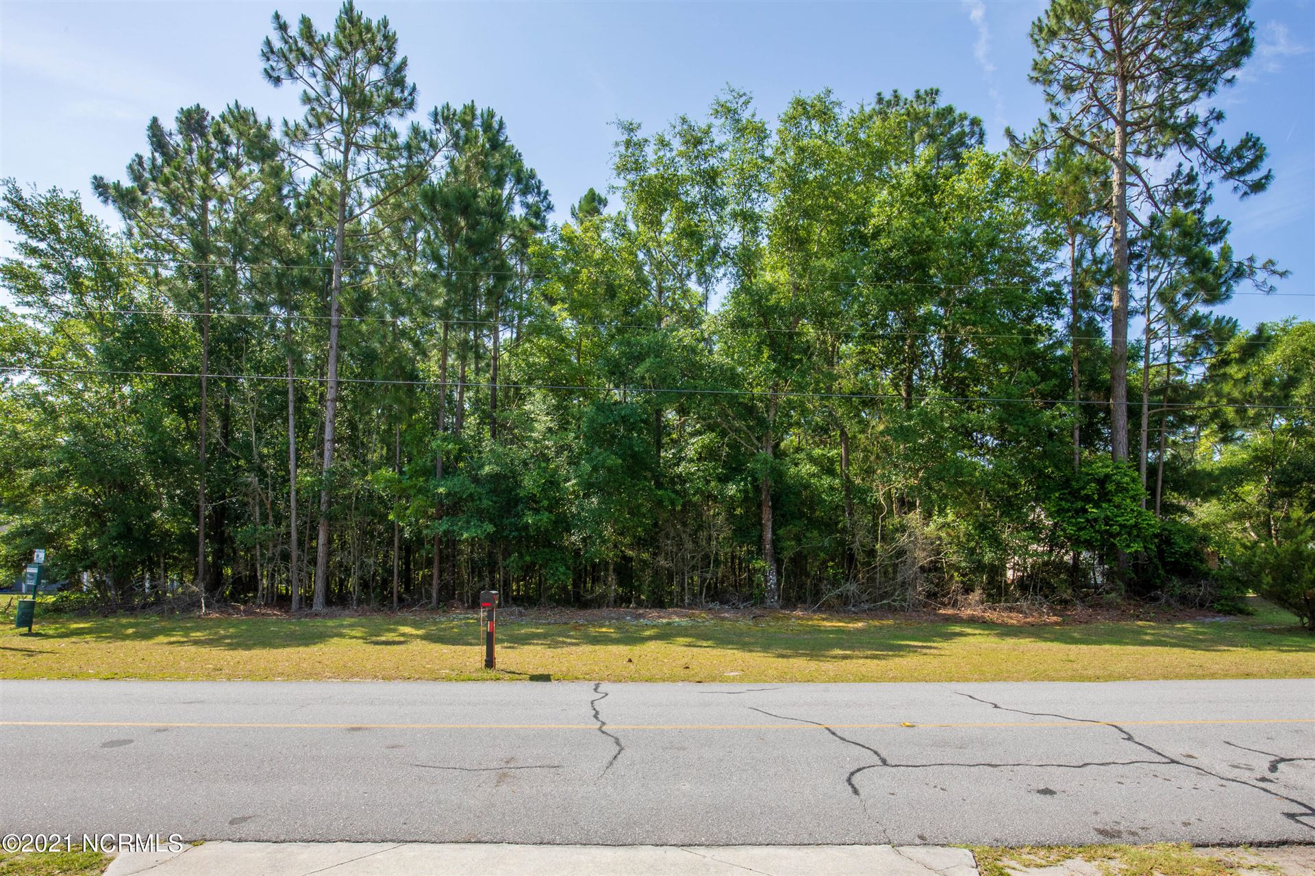 Photo of 1635 Chadwick Shores Drive, Sneads Ferry, NC 28460 (MLS # 100274180)