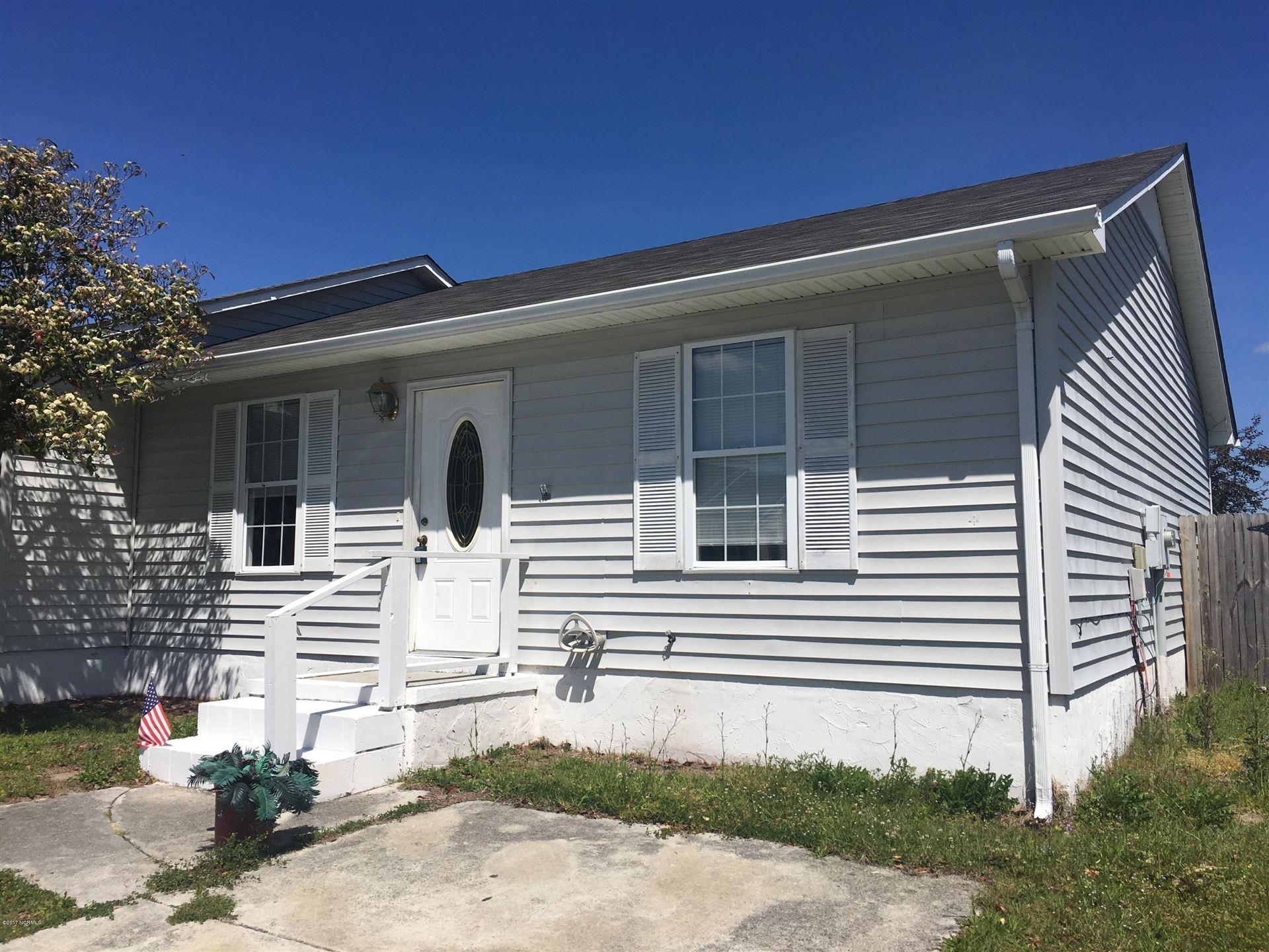 Photo of 111 Creekview Drive, Jacksonville, NC 28540 (MLS # 100283187)