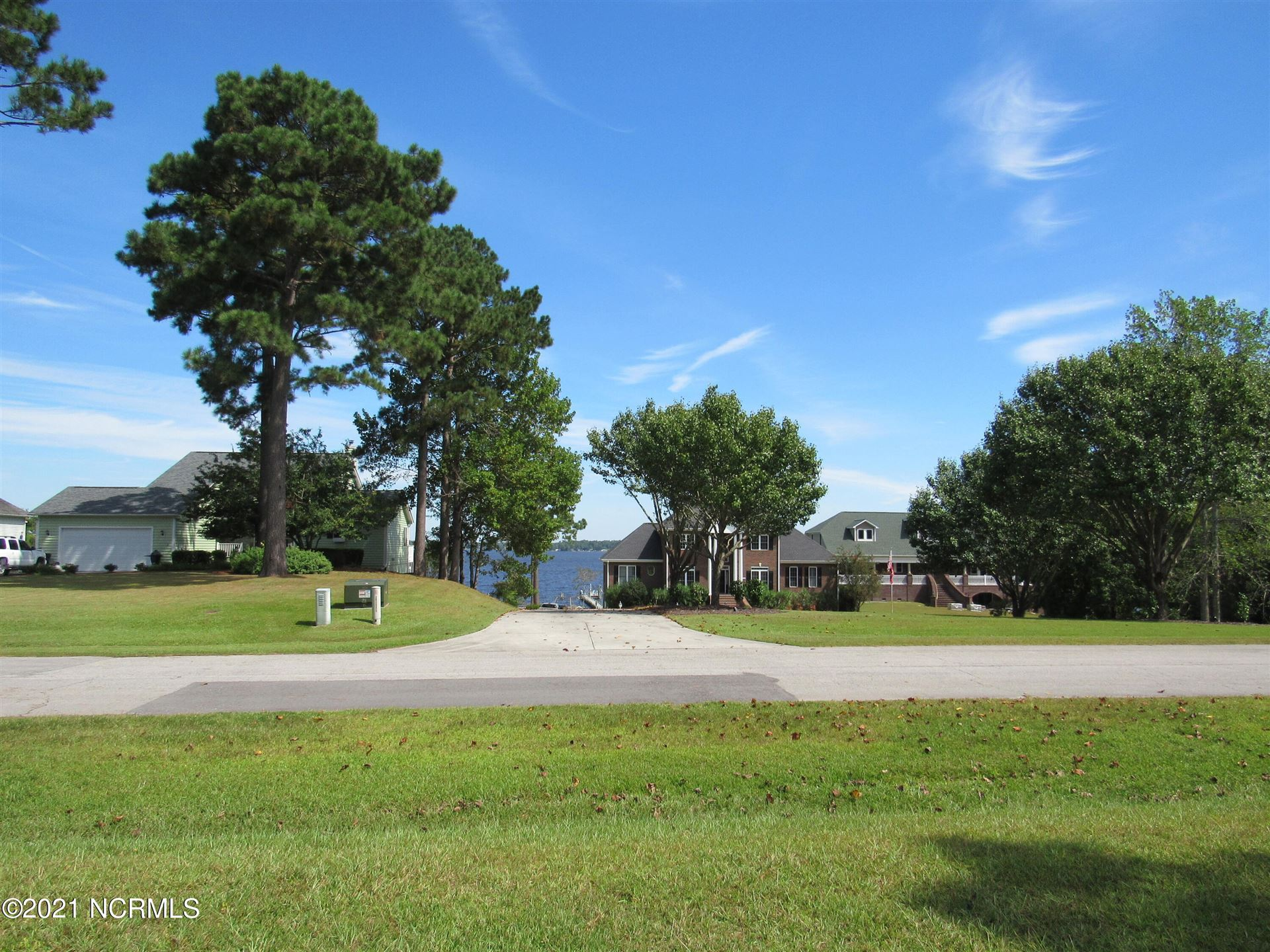 Photo of 105 Line Boat Lane, Swansboro, NC 28584 (MLS # 100290187)