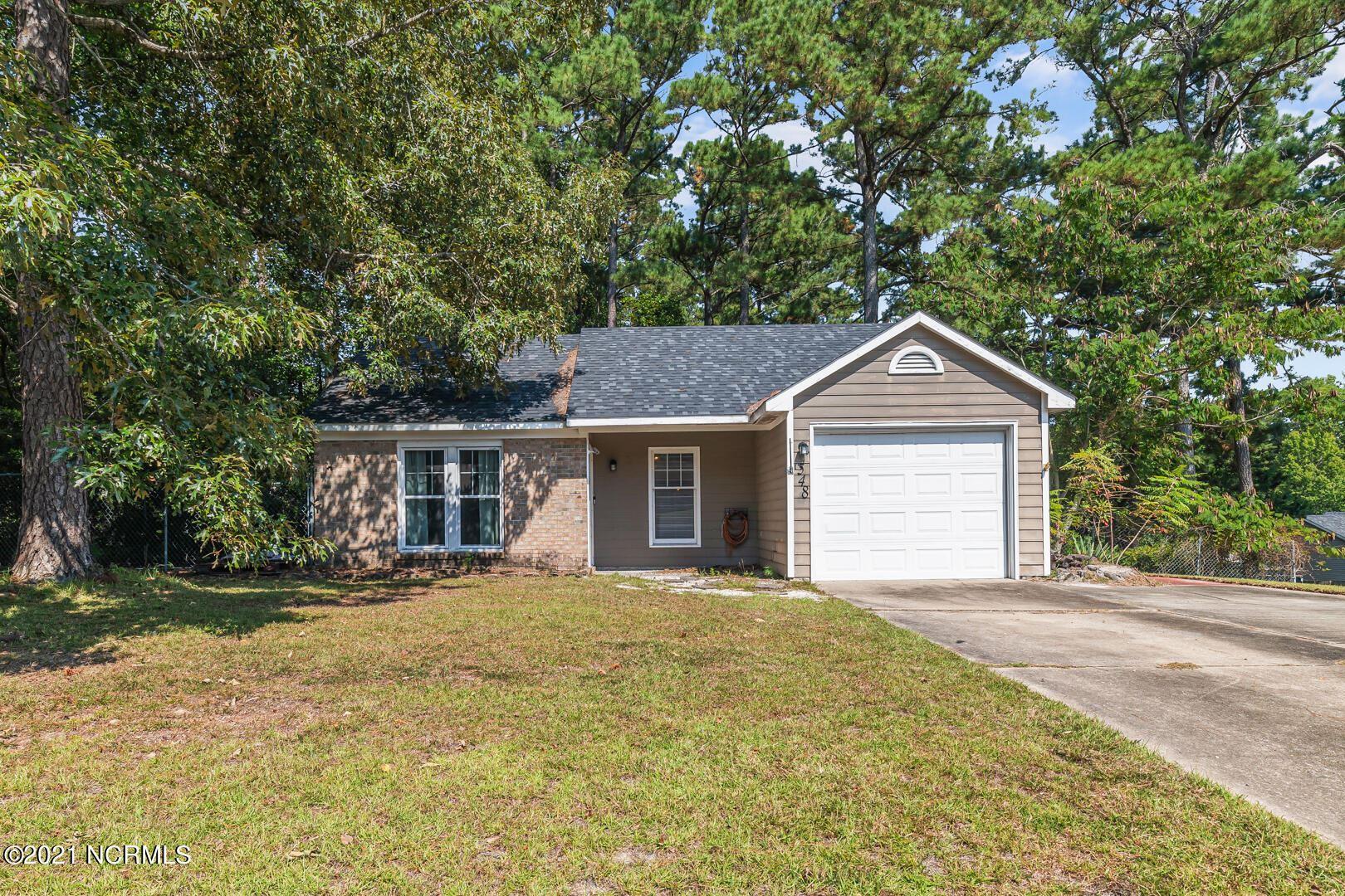 Photo of 548 Shadowridge Road, Jacksonville, NC 28546 (MLS # 100293189)
