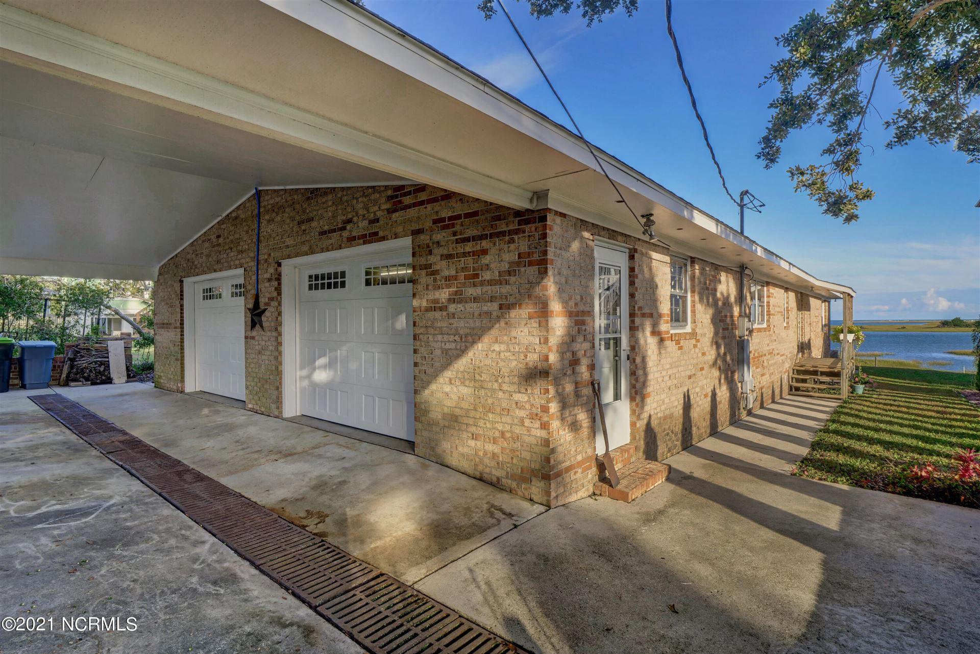 Photo of 114 Broadview Lane, Hampstead, NC 28443 (MLS # 100293192)
