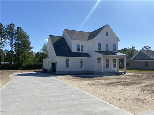 Photo of 714 Crown Pointe Drive, Hampstead, NC 28443 (MLS # 100206193)
