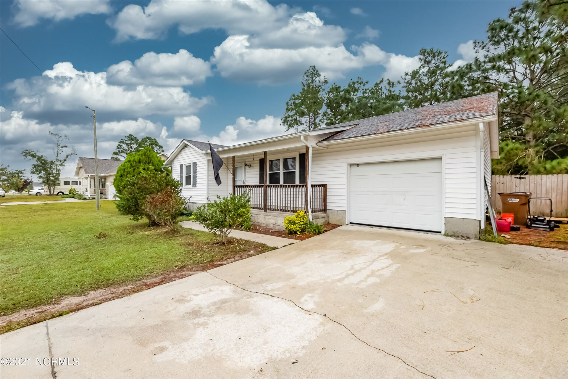 Photo of 535 Sand Ridge Road, Hubert, NC 28539 (MLS # 100294194)