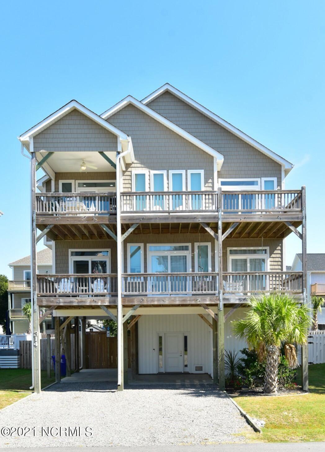 Photo of 314 Oceanaire Lane, Surf City, NC 28445 (MLS # 100293201)