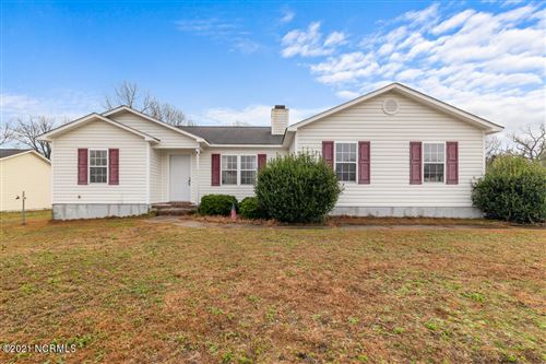 Photo of 140 Wheaton Drive, Richlands, NC 28574 (MLS # 100252209)