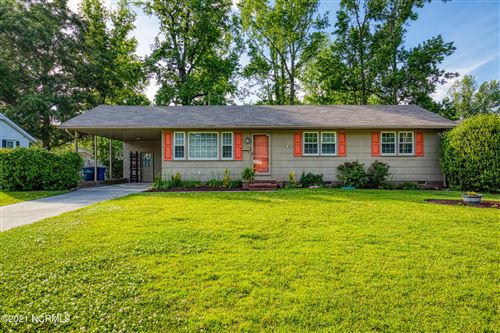 Photo of 811 Gardenview Drive, Jacksonville, NC 28540 (MLS # 100270215)