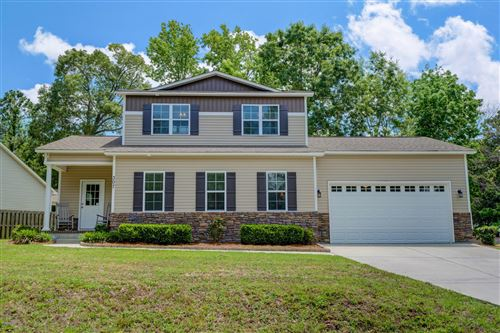 Photo of 307 Lakeview Drive, Hampstead, NC 28443 (MLS # 100219216)