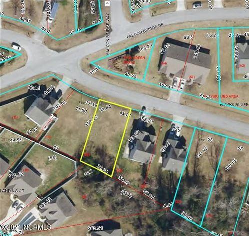 Photo of 204 Hawks Bluff Drive, New Bern, NC 28560 (MLS # 100265224)