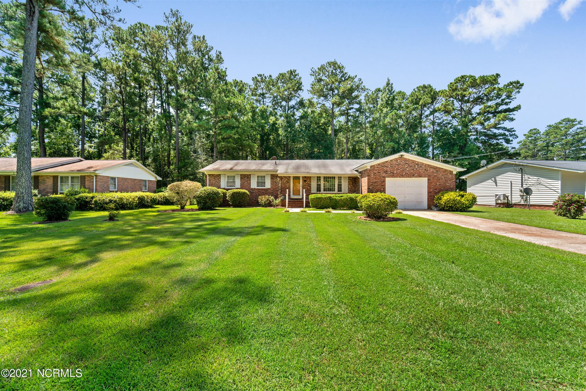 Photo of 207 Pineview Road, Jacksonville, NC 28546 (MLS # 100289226)
