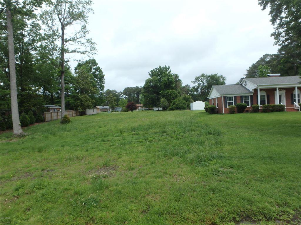 Photo of 103 Club Lane, Jacksonville, NC 28546 (MLS # 100152230)