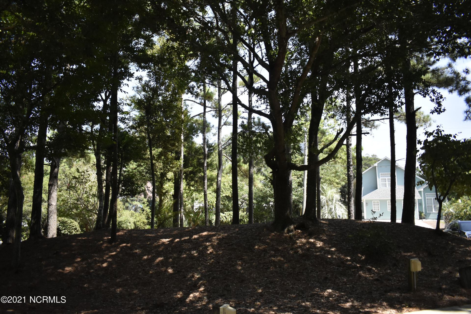 Photo of 129 Pinewood Place, Emerald Isle, NC 28594 (MLS # 100288237)