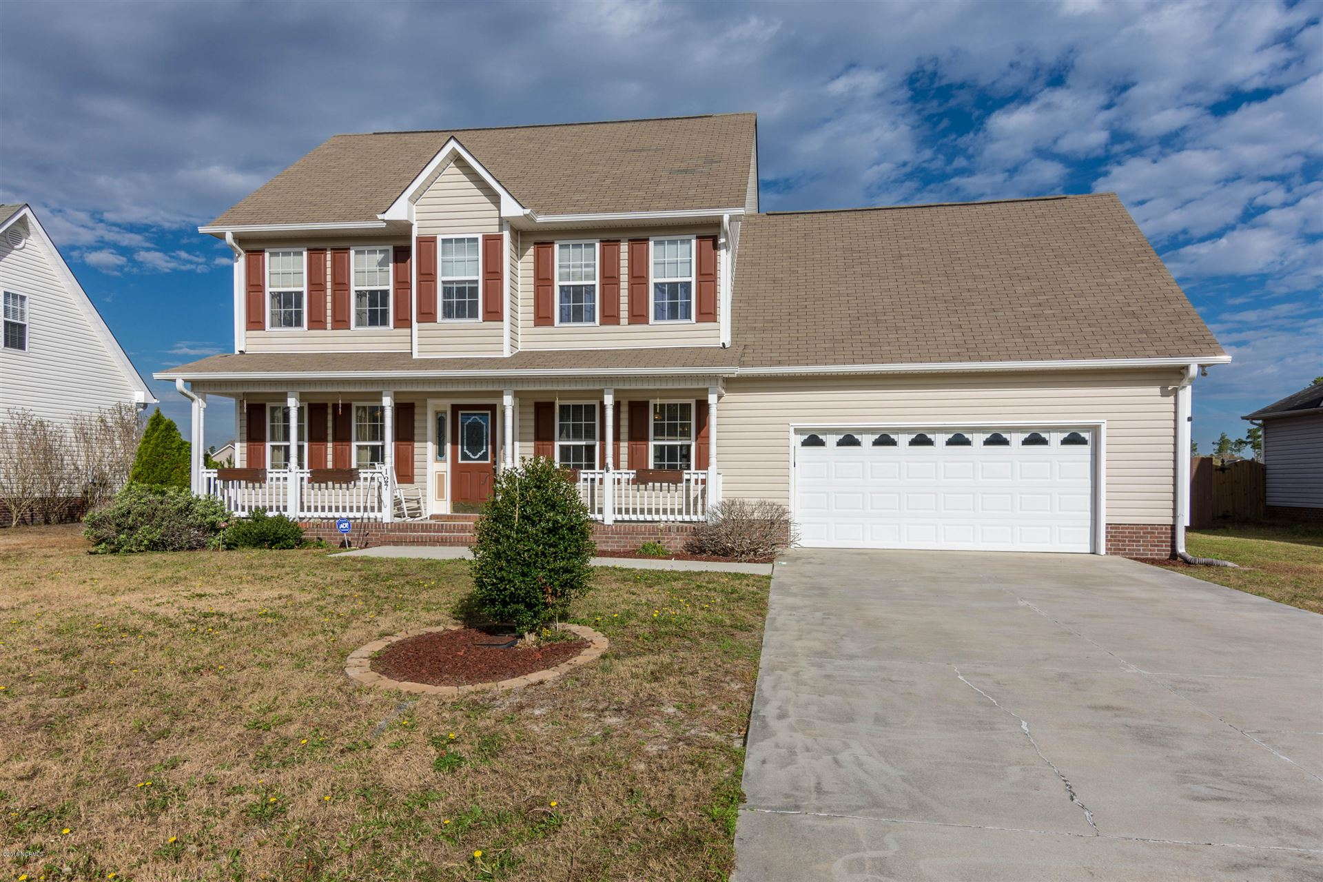 Photo for 127 Harvest Moon Drive, Richlands, NC 28574 (MLS # 100142242)