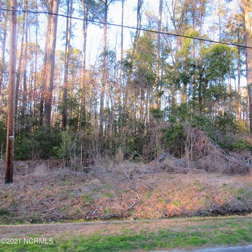 Photo of 47 Wooded Acres Road, Lake Waccamaw, NC 28450 (MLS # 100260251)