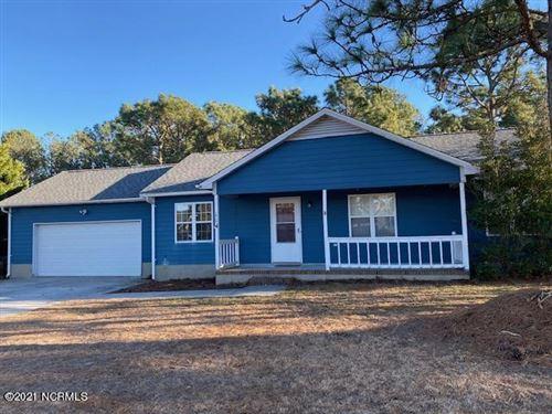 Photo of 114 E Ivybridge Drive, Hubert, NC 28539 (MLS # 100255264)