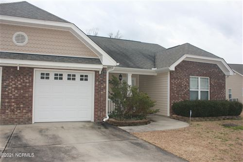 Photo of 308 Falcon Bridge Drive, New Bern, NC 28560 (MLS # 100258264)